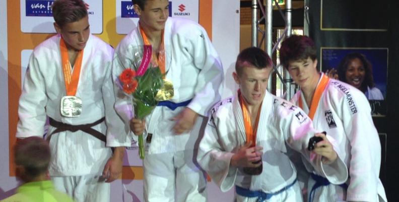 Simply Judo   Throw yourself into judo